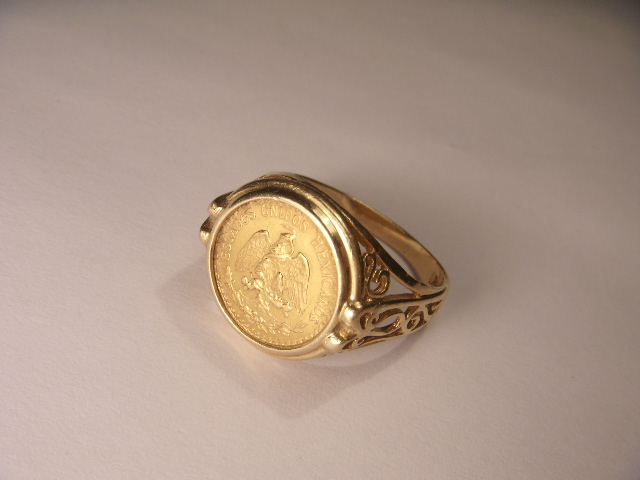 Fabulous Estate 14k Yellow Gold Mexican Coin 1945 Dos Pesos Ring This Great Piece Features One Round 2 The Top Of Measures 15
