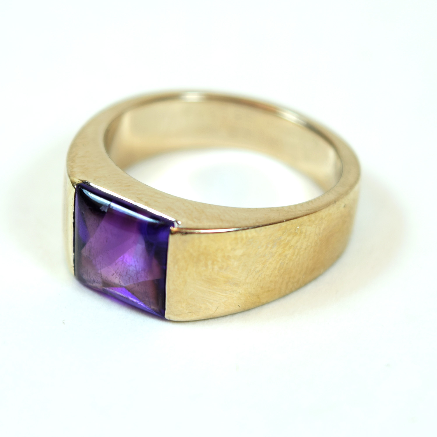 18 Karat White Gold And Amethyst Cartier Tank Ring Size 6