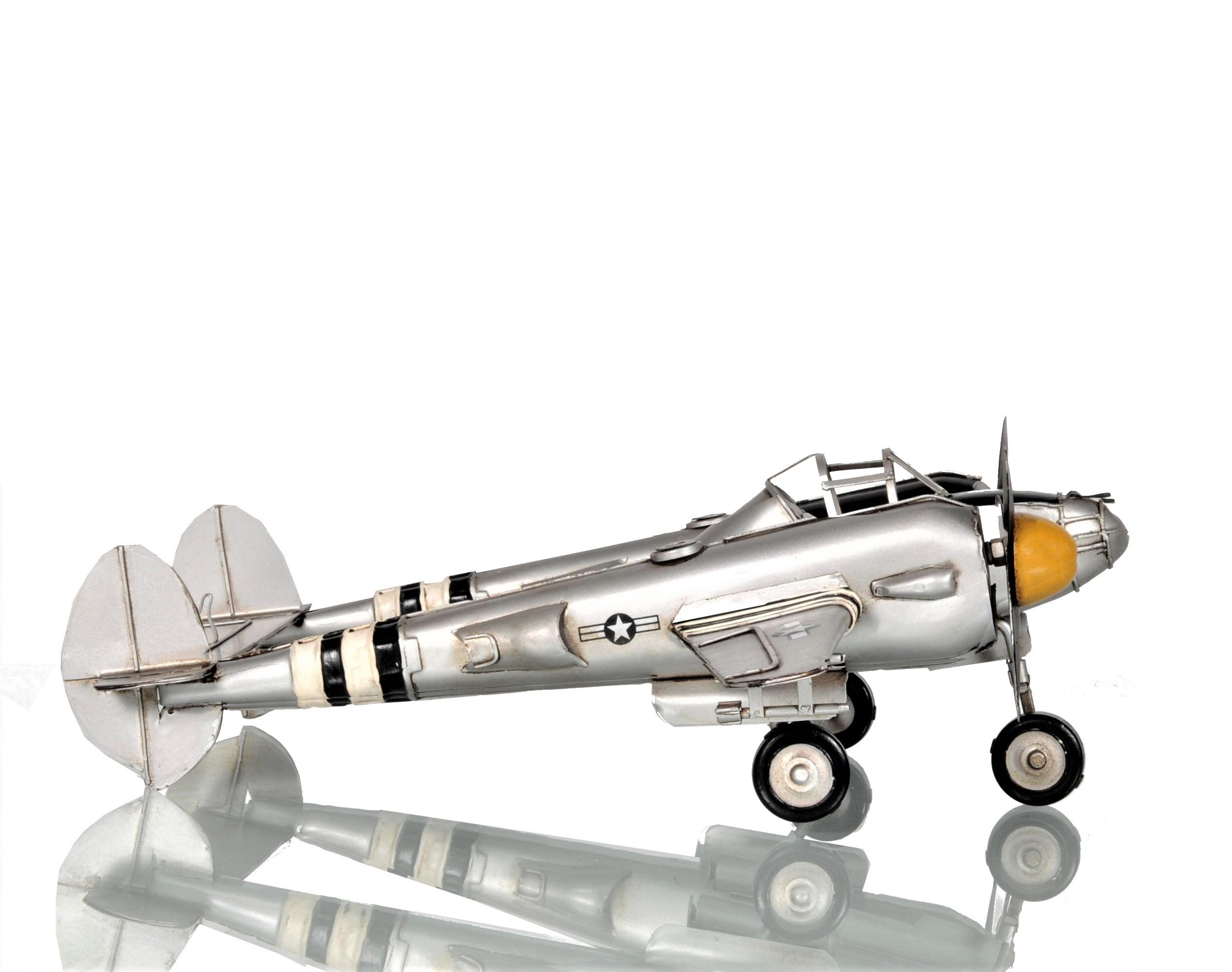 WWII P38 Lightning Pin-up Girl Tin Metal Sign Reproduction
